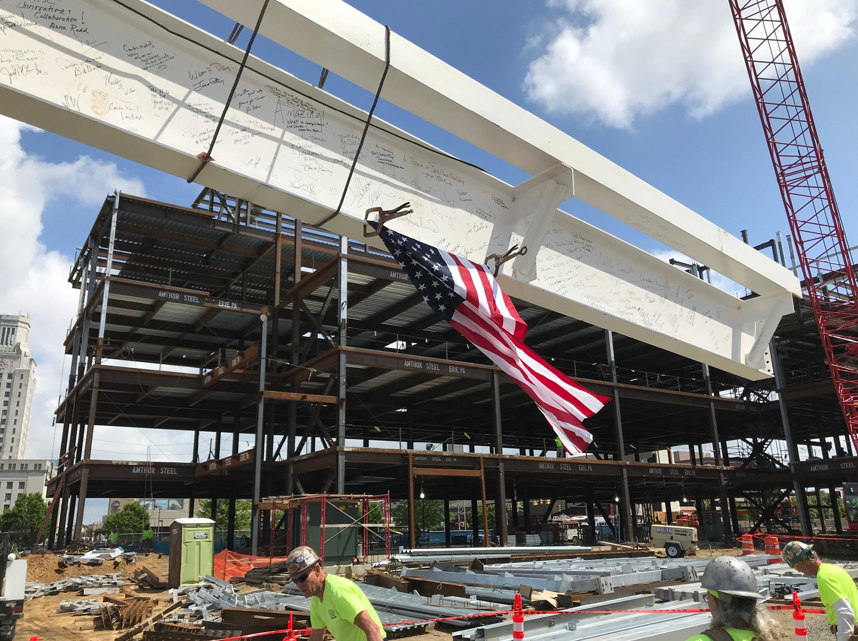 The final steel beam of the Joint Health Science Center.